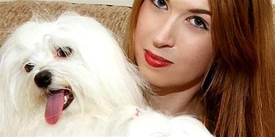 英女子花費數萬元為7只寵物狗買衣服